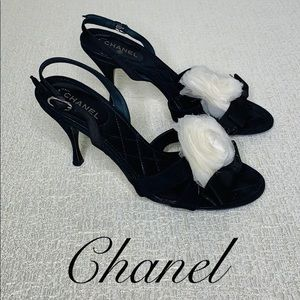 CHANEL BLACK SLINGBACK HEEL WITH WHITE FLOWER